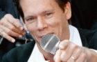 Kevin Bacon also sings!